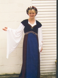 medieval dress (Juliet)