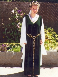 medieval dress (Maid Marion)